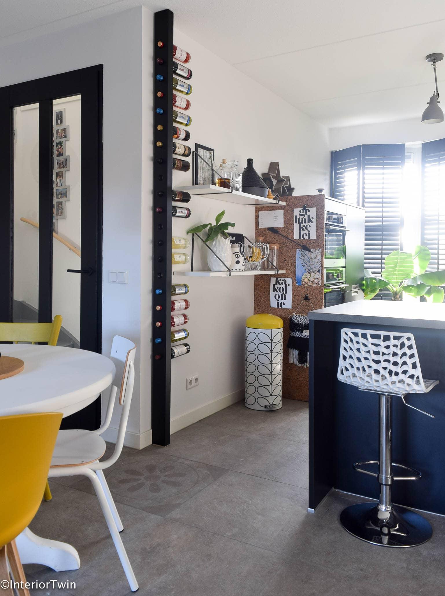 Een origineel wijnrek in huis met de wijnpaal interiortwin - Huis origineel huis ...